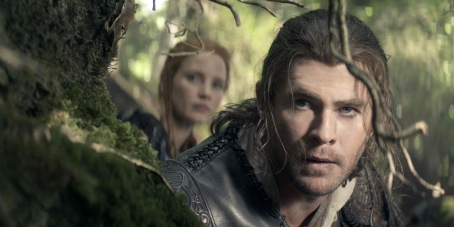 the-huntsman-winters-war-chris-hemsworth